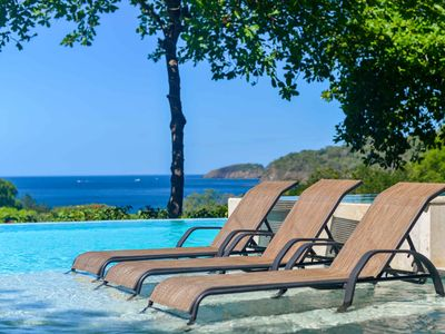 Photo for 2 FREE massages - Walk to the Beach and Ocean View!