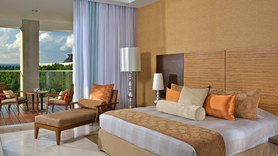 Photo for Grand Luxxe 1 Bedroom –  Includes 2 for 1 Massages and Transportation to Resort
