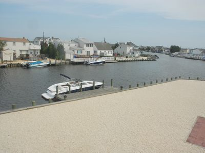 Photo for Nice Home On Gigantic Waterfront Lot, Great Views, 5 Min To Bay-90 Sec To Bridge