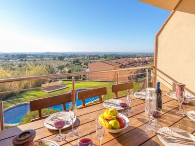 Photo for 3 bedroom Apartment, sleeps 6 in Palau-saverdera with Pool, Air Con and WiFi