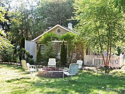 Photo for Charming New Buffalo Cottage