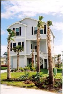 Your Home away from Home! 4134 Green Heron Dr Galveston, TX 77554