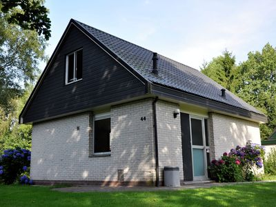 Photo for Royal freestanding bungalow with rest and privacy