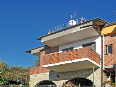 Photo for Apartment Sotto Le Stelle (COS108) in Corsanico - 3 persons, 2 bedrooms