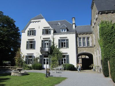 A beautiful castle in the valley of Aisne