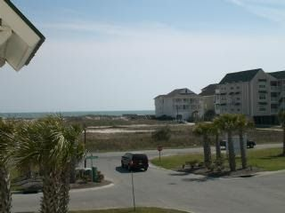 Photo for Within walking distance to the beach----Tennis courts and pool access
