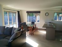 A very nice & cosy stay in Hokitika, clean & spacious for family staycation.