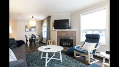Photo for SPACIOUS EXECUTIVE 3BD, 1.5BTH HOUSE, 13MIN TO ROGERS PLACE & DOWNTOWN EDMONTON