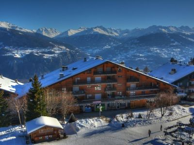 "Photo for Departure ""skis on"" from this apartment. Located in the central square and pedestrian Anzère, this p"