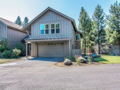 Photo for 16 Fremont Crossing: 3 BR / 3.5 BA townhome in Sunriver, Sleeps 8