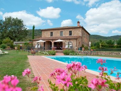 Photo for 8 bedroom Villa, sleeps 18 in Oliveto with Pool and WiFi