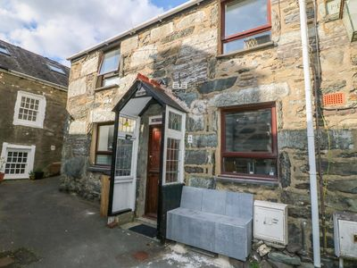 Photo for 2 PENBRYN, pet friendly in Barmouth, Ref 1011069