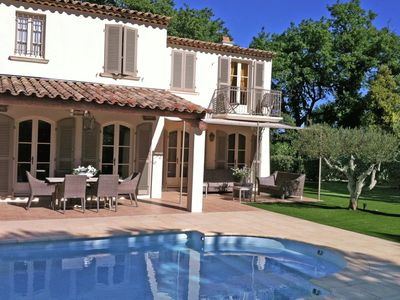 Photo for Mediterranean luxury villa with private pool 1 km from the sea and Saint Tropez