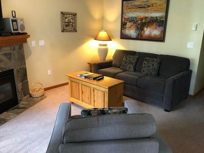Whistler Village North - Pool & Hot Tub Access, Free Parking & WiFi