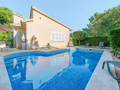 Photo for Modern 4 bedroom villa, pool, Wi-Fi, A/C & close to 2 beautiful beaches