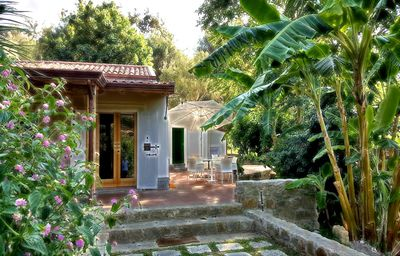 Photo for Farmhouse with swimming pool Agricontura 10 minutes from the sea: CASA DEL BANANO