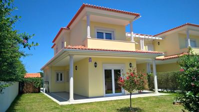 Photo for Modern 4 bedroom villa on Obidos Lagoon with WiFi, own garden and private pool.