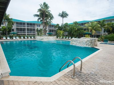 Photo for Grand Cayman - 7 Mile Beach - Condo - Mar 21 – 28, 2020 / Rental / Pool & Spa