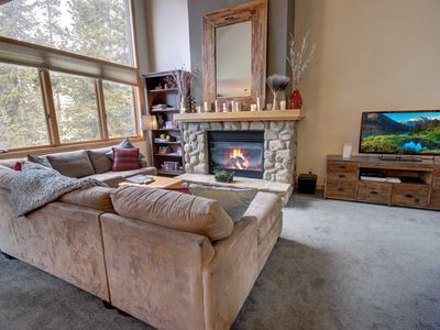 Photo for Ironwood 2994 Private Hot tub, Walk to Lifts, Private Garage, King Bed by Summitcove Lodging