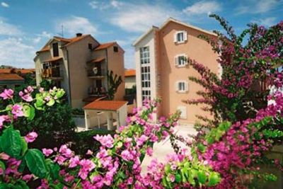 Photo for Apartments Svjetlana, (2922), Supetar, Croatia