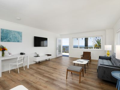 Photo for Brand New, Centrally Located Prospect St Apartment