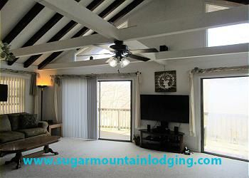 Photo for Large 6 Bedroom Family Home near Ski Resort.. Rented by Sugar Mtn Lodging