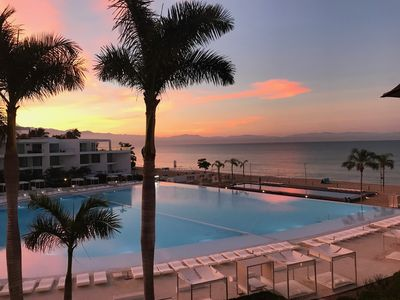 Photo for 2 Bedroom Beachfront Condo, Beautiful Ocean and Pool Views
