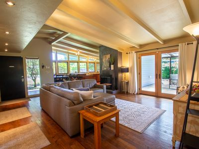 Photo for Sparkling Clean Mid Century Modern Home in Ferry Street Bridge Area