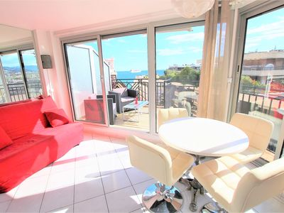 Photo for Nice apartment last floor with terrace and clear view on the sea