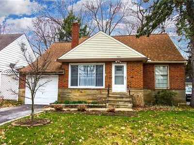 Photo for Charming Stone Cottage--20 min to CCF/CWRU/UH