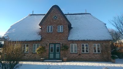 Photo for Renovated and modernly furnished thatched cottage with open views