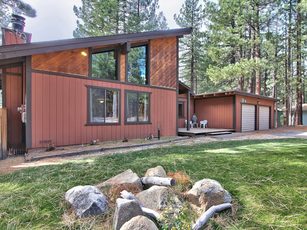 Tahoe Cabin Centrally Located to All Tahoe   VRBO