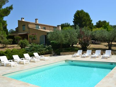 Photo for 4 bedroom villa with pool on 40 wooded acres of olive groves to 5 min from Vaison