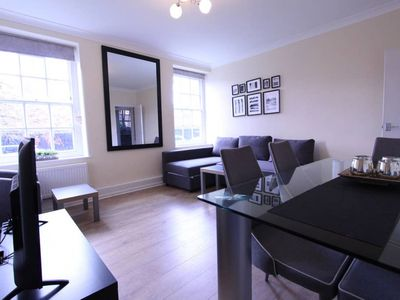 Photo for 2 EASTLAKE · Lovely Ground Floor 3 Bedroom Apartment- Central