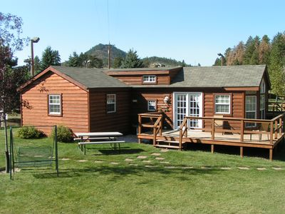 Photo for Cozy Cabin  just 10 minutes from Mt Rushmore, Crazy Horse, Custer State Park