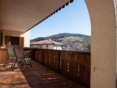 "Photo for Comfortable Apartment 3 ""Zur Sonne"" with Mountain View & Garden; Parking Available, Pets Allowed"