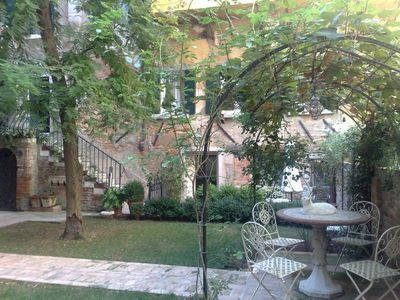 Photo for Lovely apartment with garden in the heart of Venice