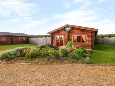 Photo for BEECH LODGE, with pool in Greetham, Rutland, Ref 972998