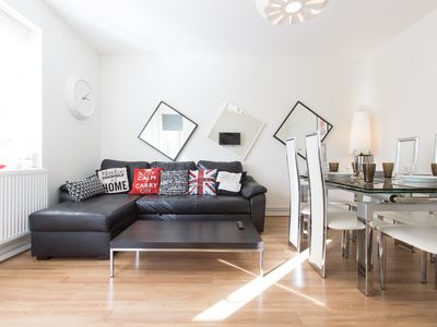 Photo for Family Friendly Apartment In London Zone 1