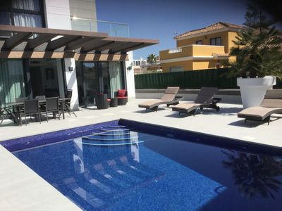Photo for SUPERB MODERN VILLA, PRIVATE POOL, 3 BEDROOMS, 6 PERS, CLOSE TO THE COST