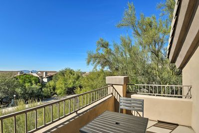 Soak up the sun with mountain views from this beautiful condo!