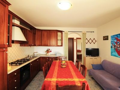 Photo for Rosemary apartment in Pescoluse with air conditioning, private parking, private terrace, shared gar…