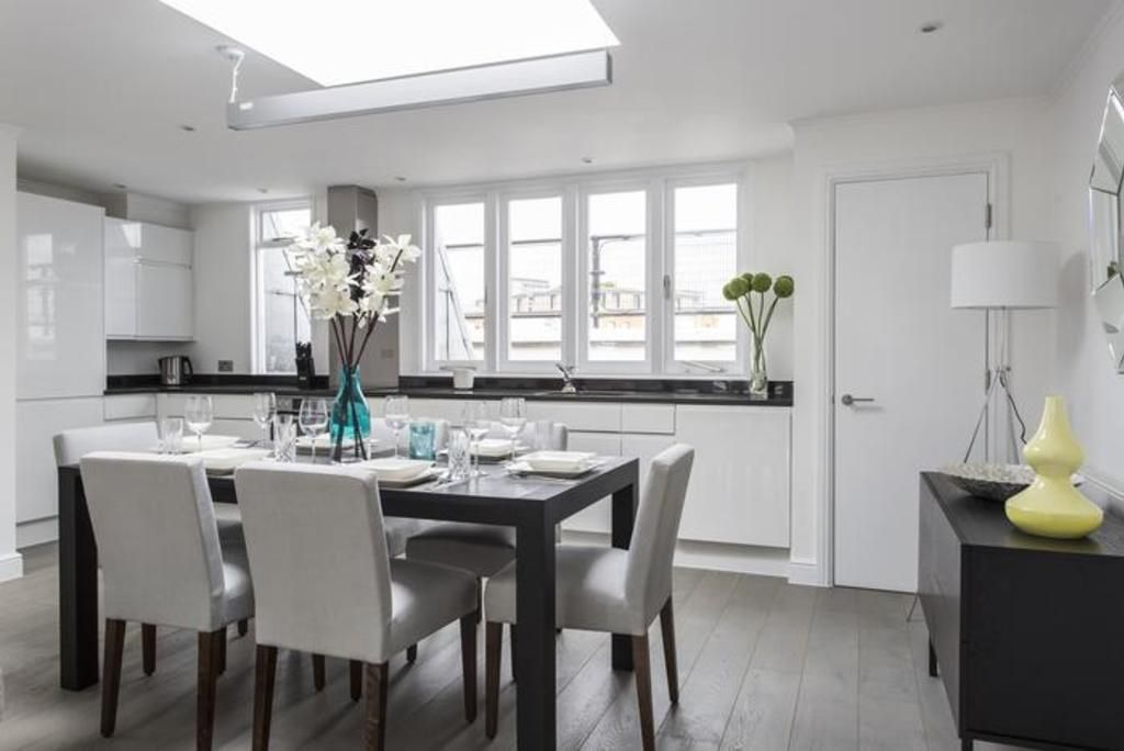 London Home 671, You will Love This Luxury 3 Bedroom Holiday Home in London, England - Studio Villa, Sleeps 5