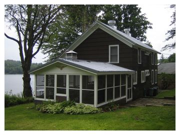 Lakefront Cottage with Modern Amenities - Shehawken Lake