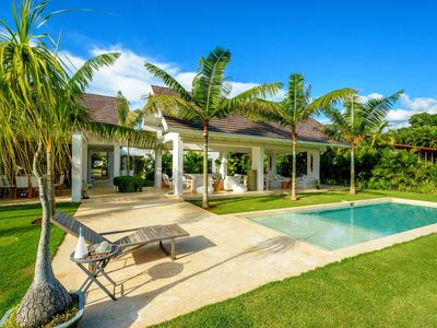 Photo for Newly Renovated Villa with Magnificent Outdoor Living Spaces, Pool Terrace, Alfresco Dining Area