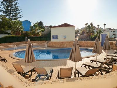 Photo for Luxury apartment with pool, internet and A/C in central Carvoeiro, Algarve