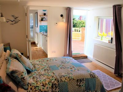 Photo for Stylish, self contained flat, Sidmouth, breakfast