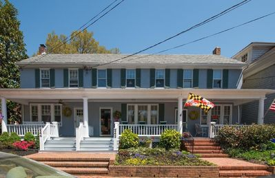 Photo for Charming garden row home, easy 4 block walk to the heart of Annapolis.
