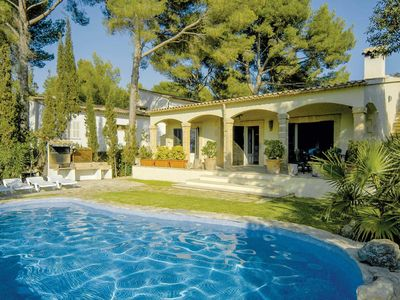 Photo for Bon Aire Villa w/pool, lovely gardens & BBQ, 5 minutes drive from Alcudia