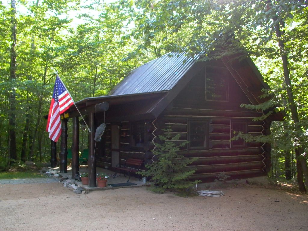 pin rates cabins lakefront in mackinac mackinaw for city rentals cabin